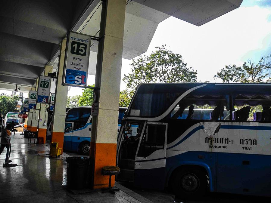 Автобус Бангкок - Бан Пхе