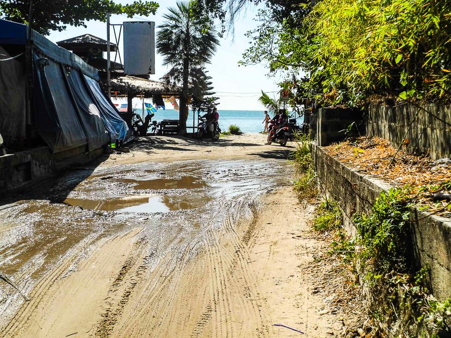 Ужасные дороги на острове Самет