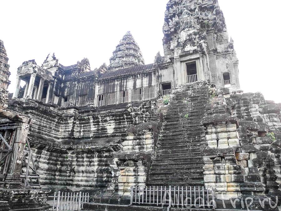 Рассвет над Ангкор Ват