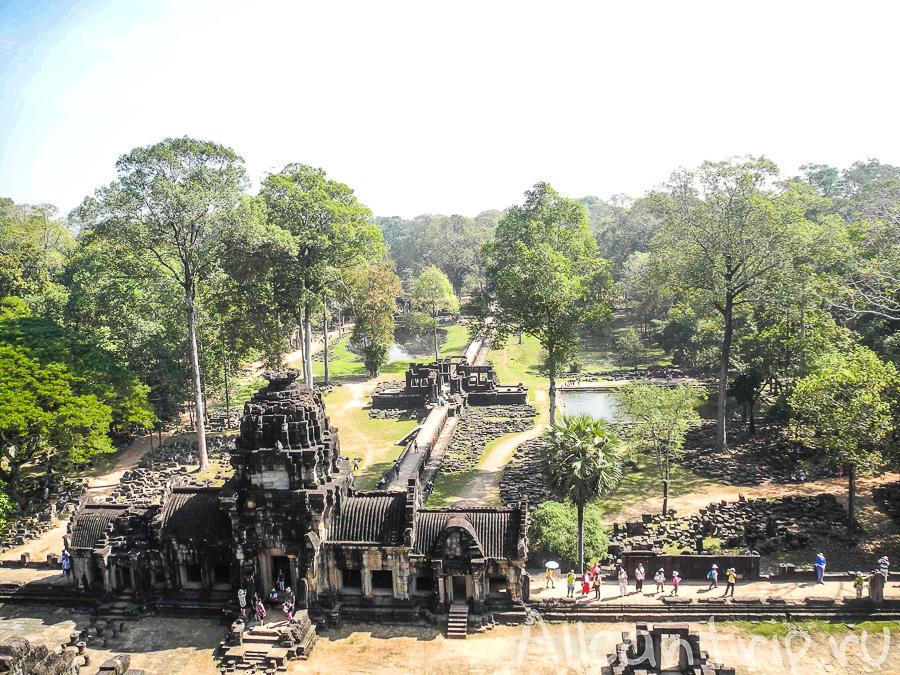 Вид с храма Бапхуон в Сием Рипе