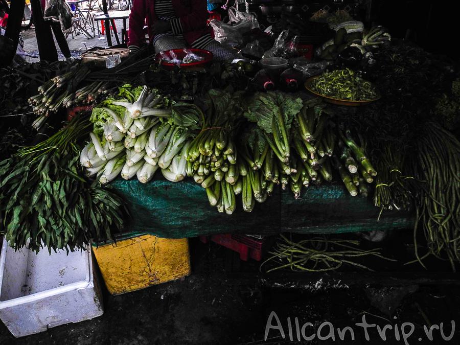 Зелень на рынке Phsar Leu в Сиануквиле