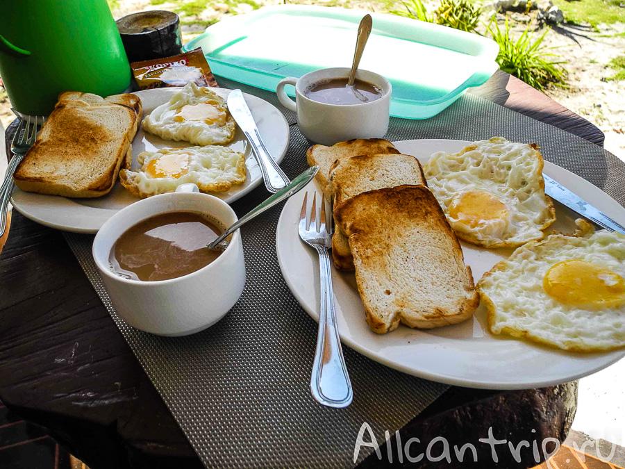 Завтраки в отеле Mr. Kwiiz Resort на Малапаскуа