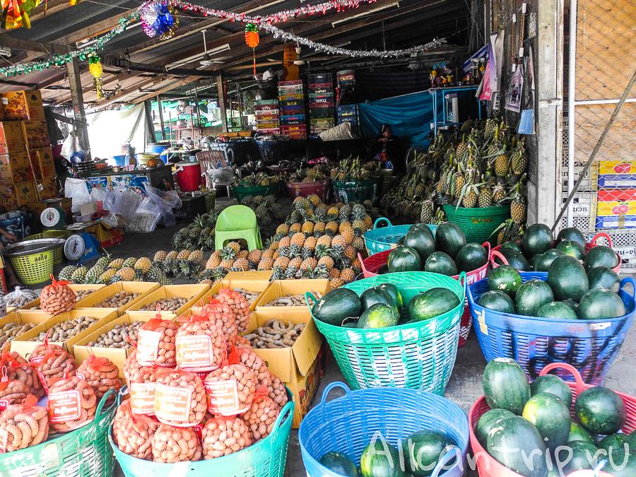 Ананасы в Таиланде