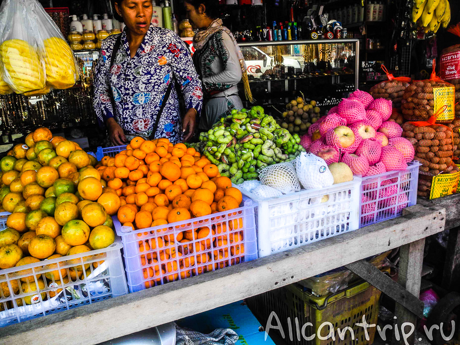 Рынок с фруктами в Кох Конге