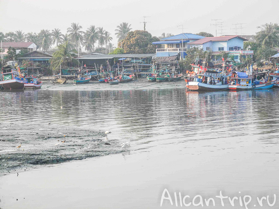 Лодки в Ча-Аме