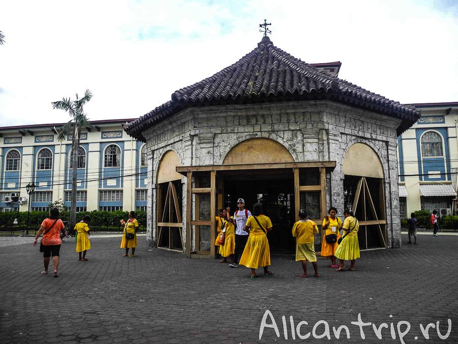 Часовня с крестом Магеллана в Себу
