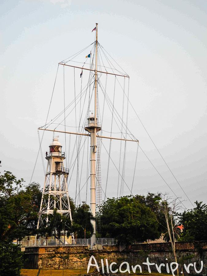 Макет корабля в Джорджтауне на острове Пенанг