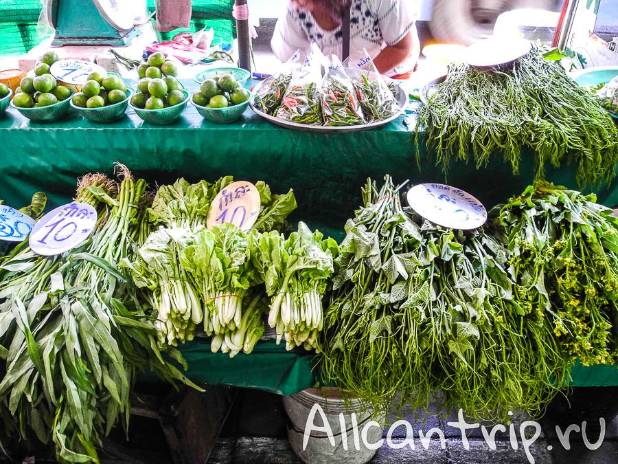 Фруктовый рынок на Самсен Роад (Samsen road) зелень