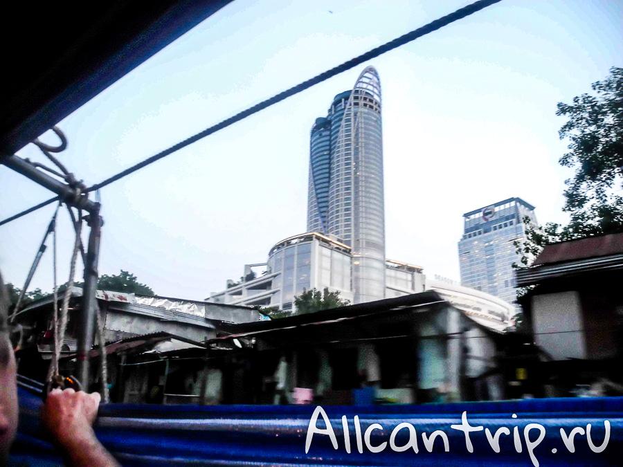 Вид на Бангкок из лодки