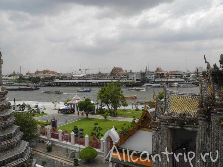 Храм утренней зари Ват Арун в Бангкоке
