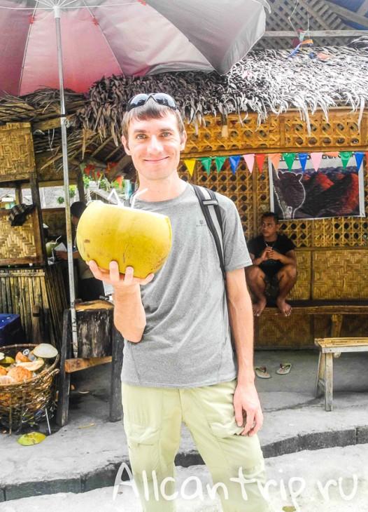 Владимир занимается технической стороной блога, а также у него несколько своих проектов в интернете.