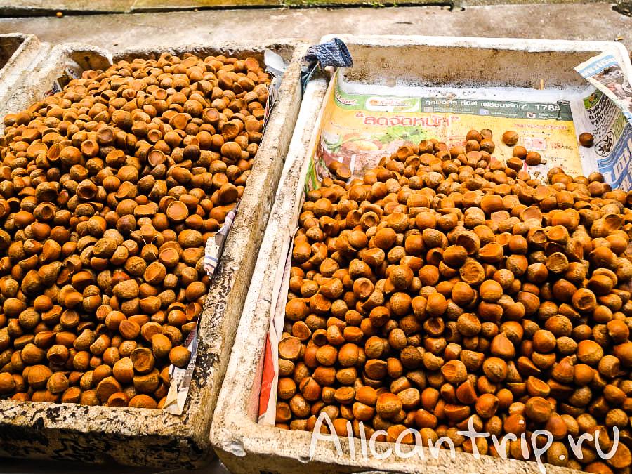 Орехи на рынке в Кота-Бару
