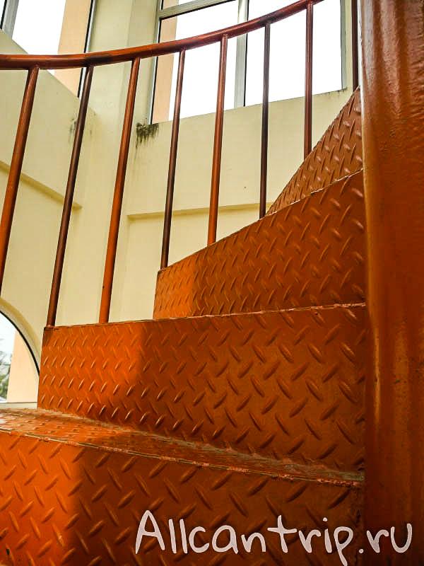 Лестница на башню Кота-Бару