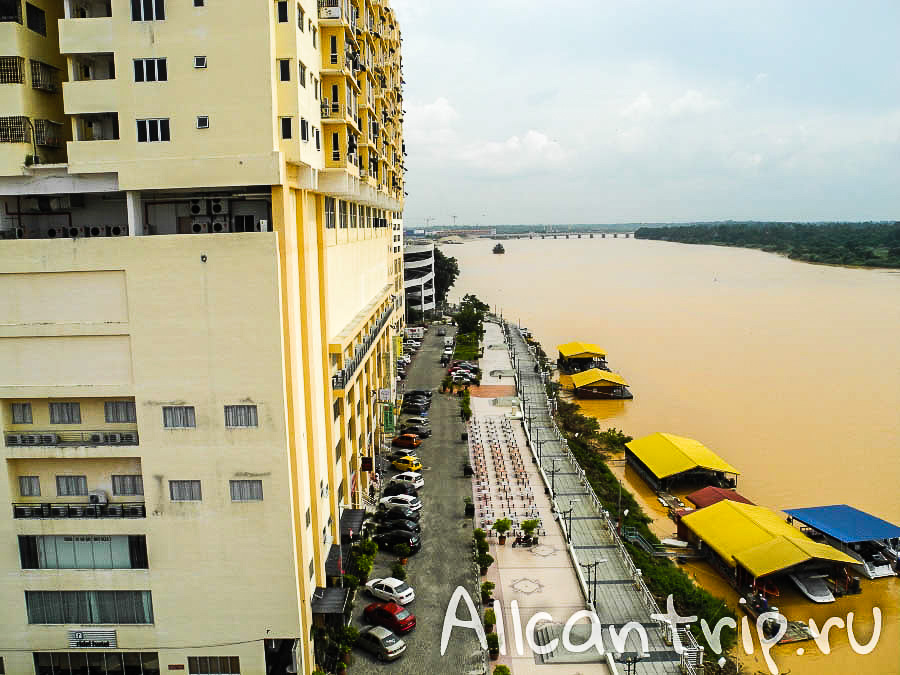 Река в Кота-Бару