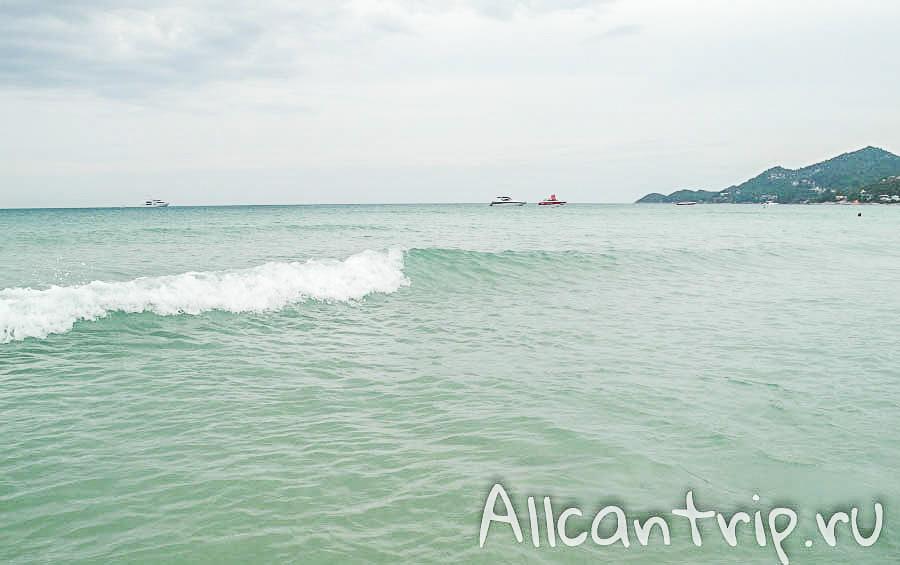Волны на пляже Чавенг Самуи