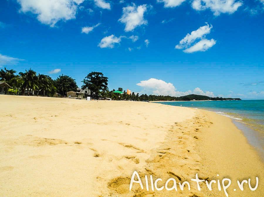 Песок пляжа Маенам Самуи