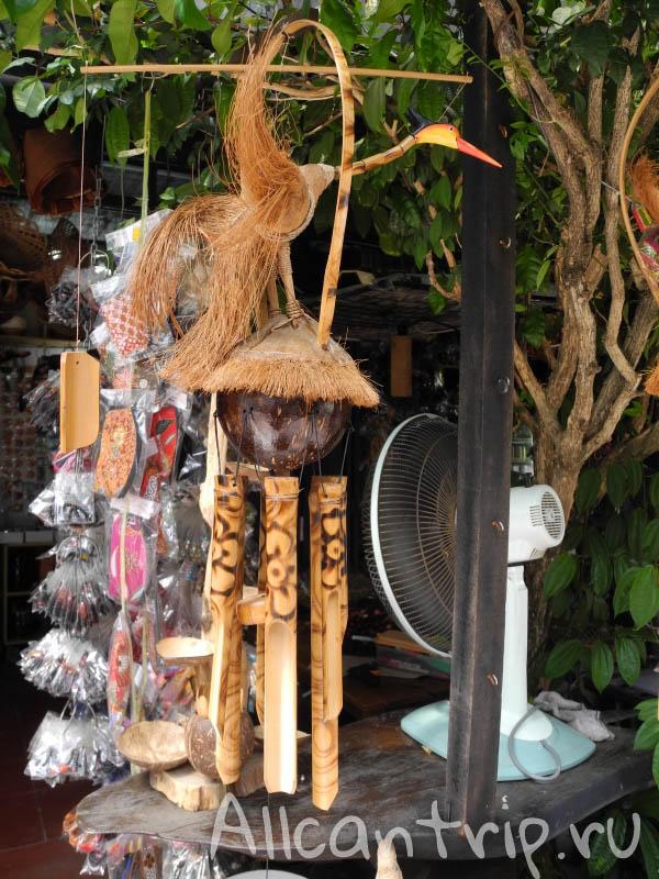 Предметы народного творчества Кота-Бару