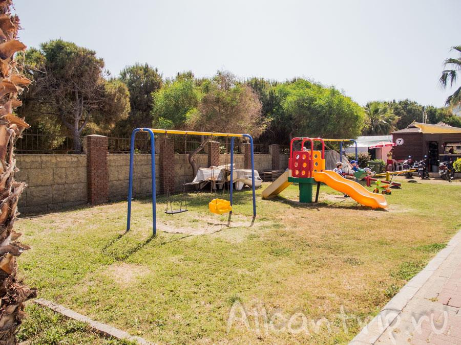 детская площадка в алании
