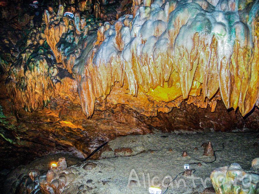 в пещере Дамлаташ в Алании