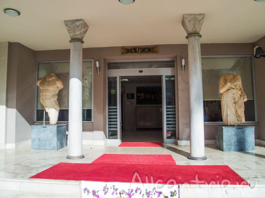 территория археологического музея в алании