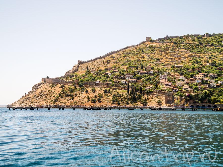 берег Алании с моря