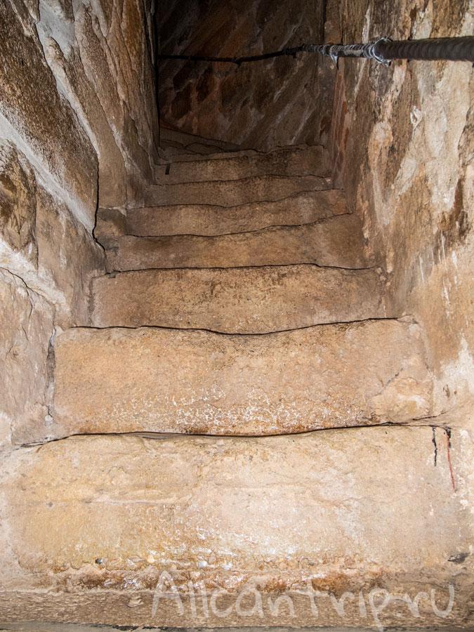 лестницы в башне кызыл куле