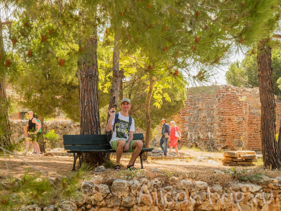 на территории крепости Алании, Турция