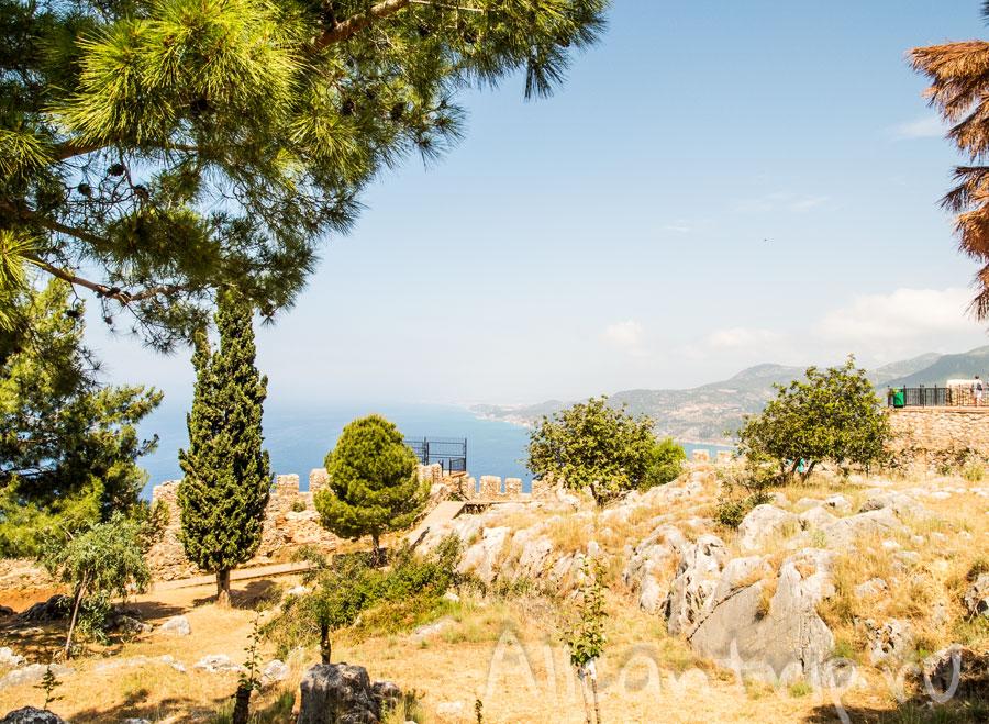 на территории крепости Алании