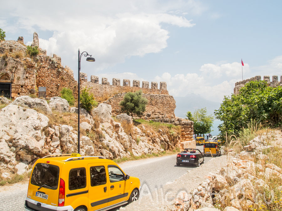 спуск с крепости Алании пешком