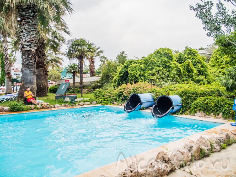 Горка Твистер в аквапарке Анталии
