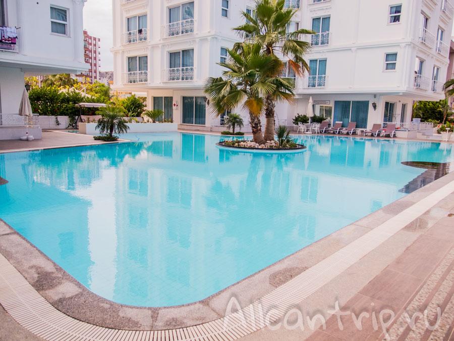 Апартаменты в КоньяАлты с бассейном