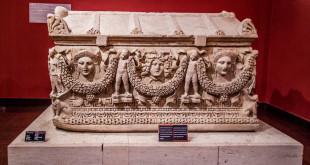 экспонаты в музее Анталии