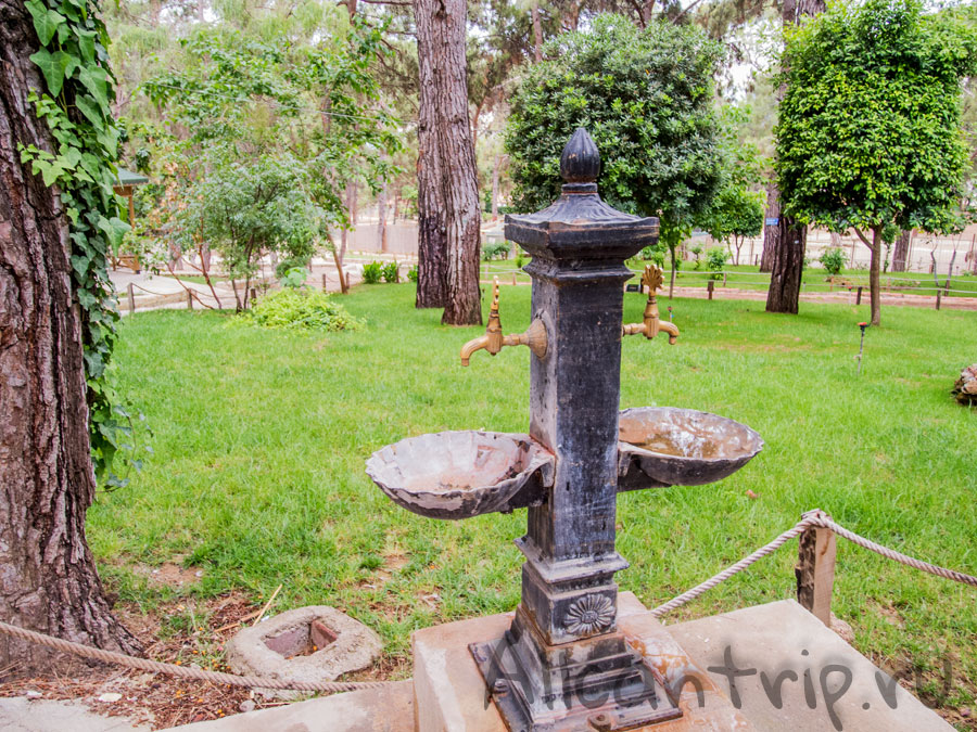 питьевая вода в зоопарке анталии