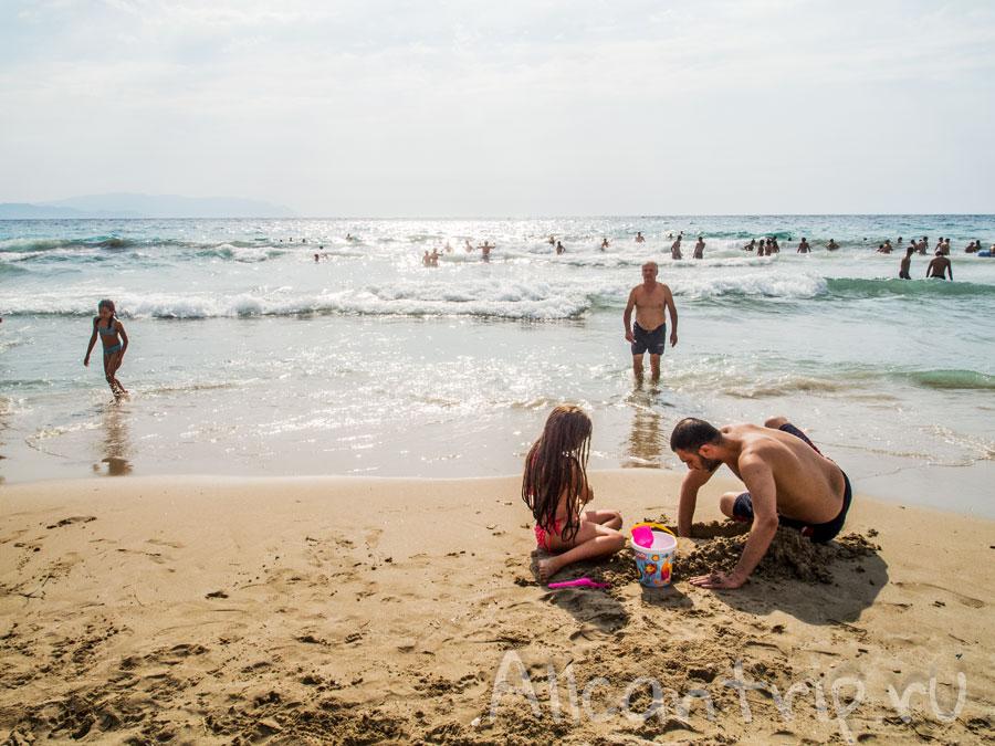 на пляже в Кушадасах