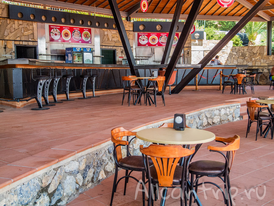 кафе в аквапарке Adaland в Турции