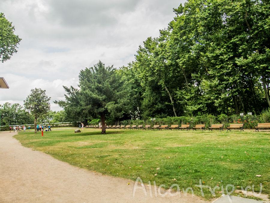 парк на территории дворца топкапы