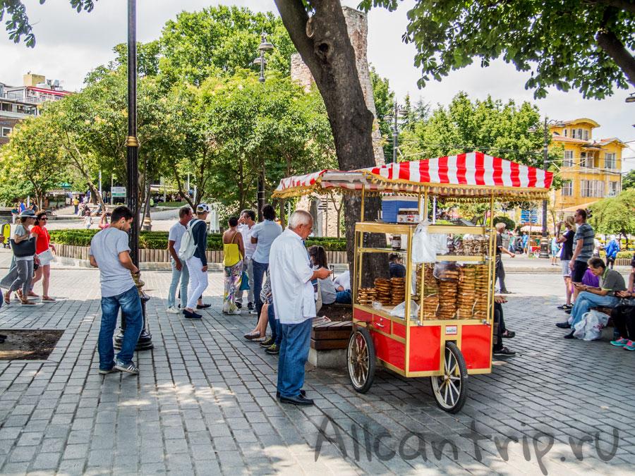 еда в парке Султанахмет