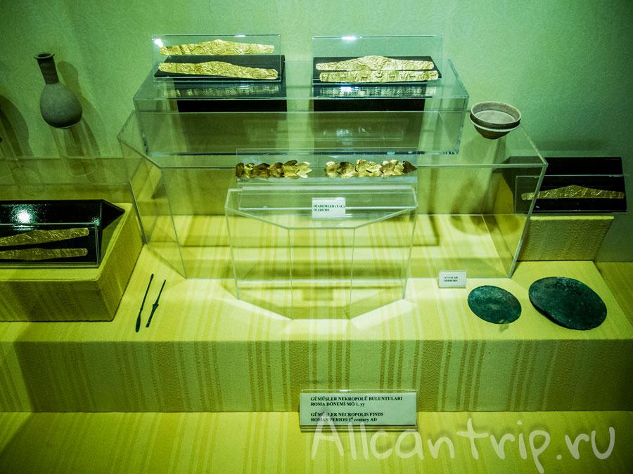 экспонаты в музее иераполиса