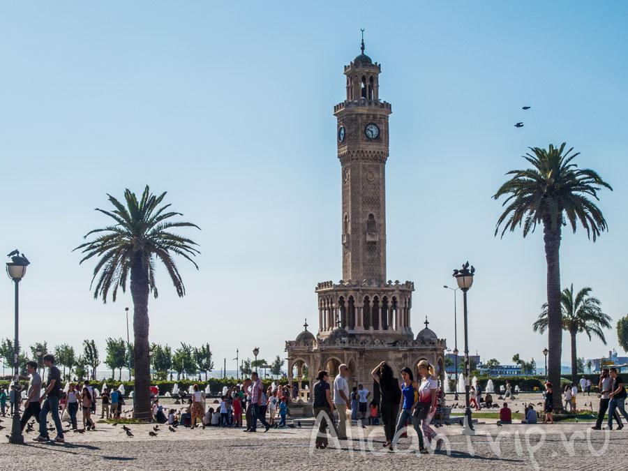 башенные часы в Измире