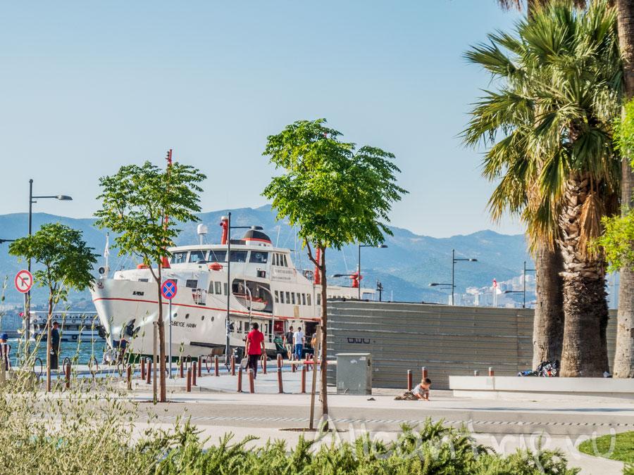 корабли в Измире