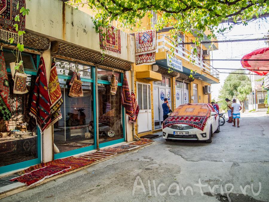 туристическая улица в памуккале