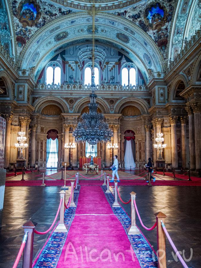 дворец долмабахче внутри