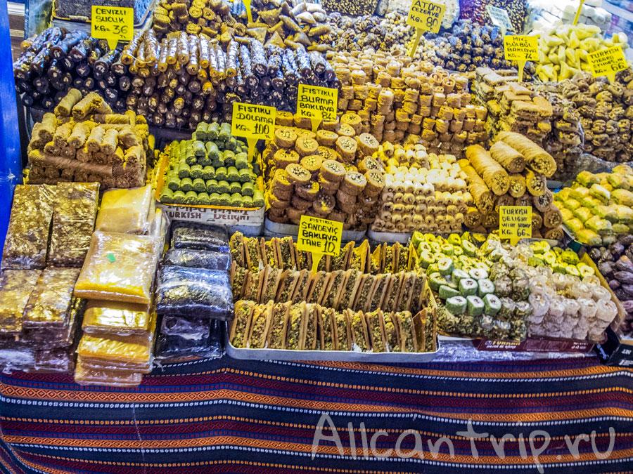 на египетском рынке стамбула