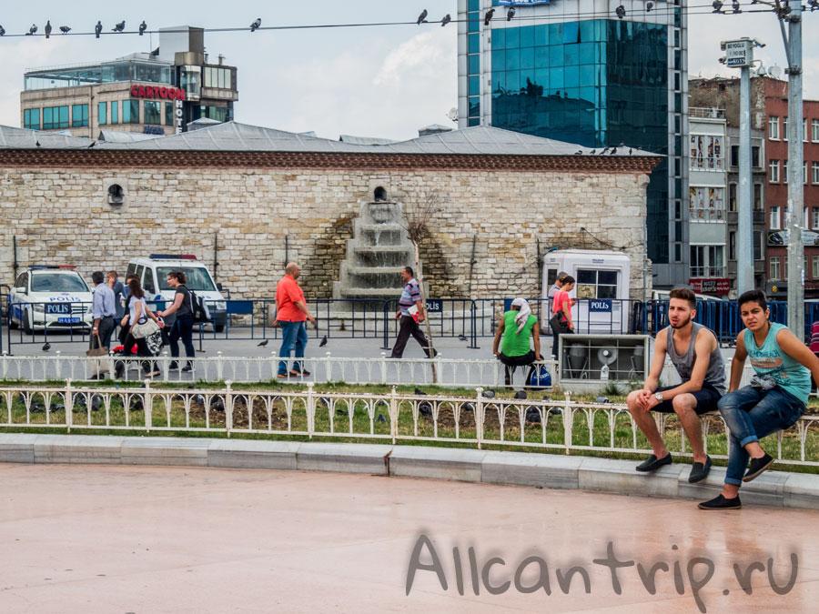 Площадь Таксим фото