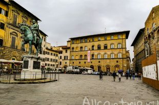 площадь Синьории во Флоренции статуи
