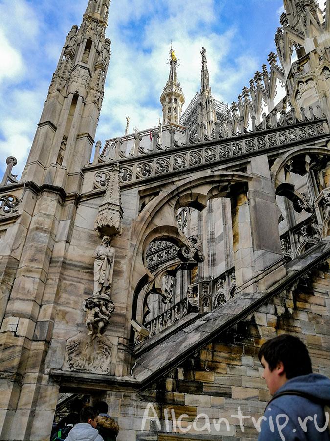 на крыше дуомского собора