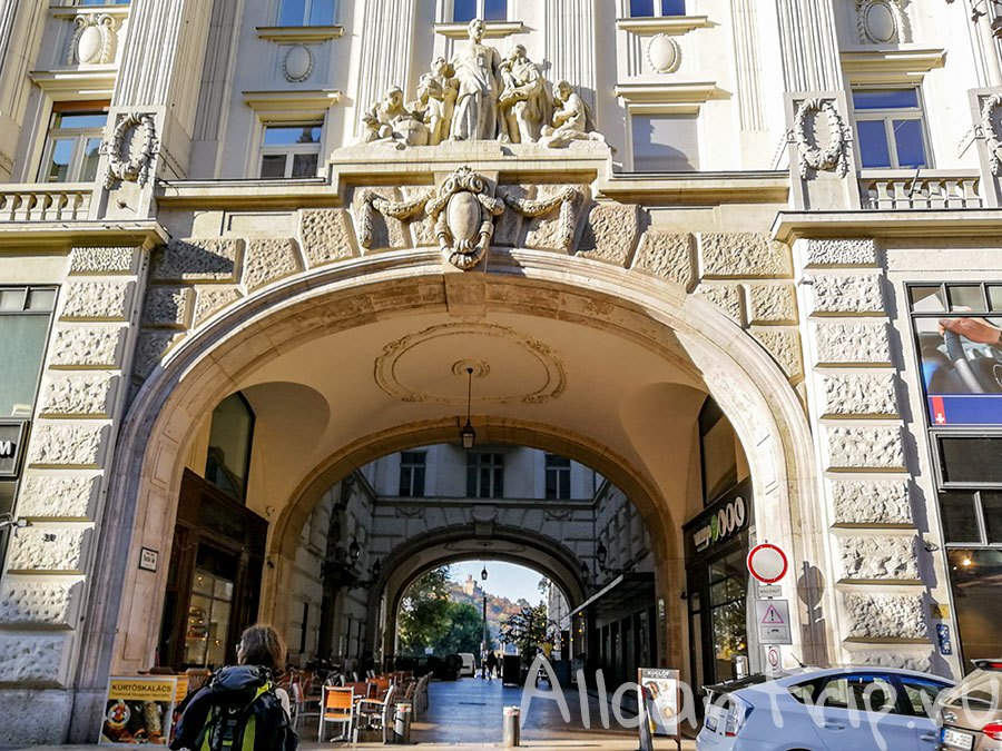 улица Ваци в Будапеште архитектура