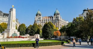 площадь свободы будапешт памятник